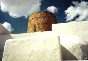 Detalle del poblado de Balàfia, hoy privado y tomado por perros.
